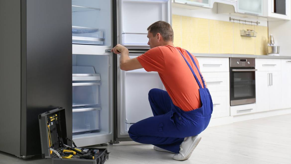 Appliance Repair In Toronto: What To Do When Your Refrigerator Makes Loud Noises